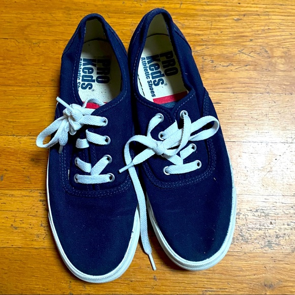 Adorable Keds sneakers - barely worn